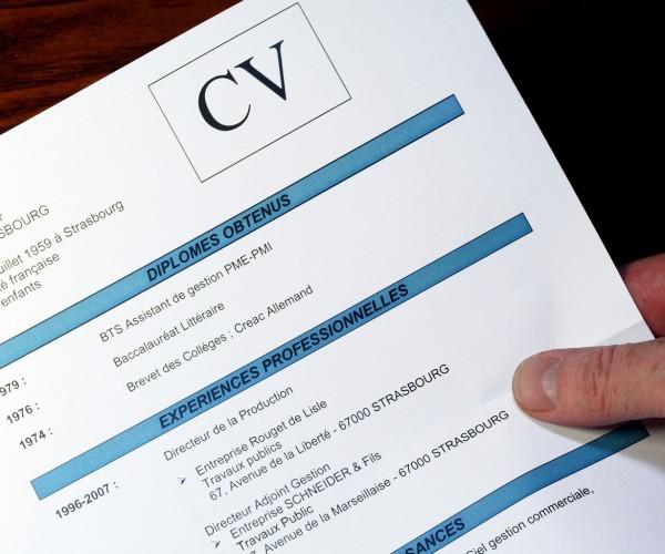 Exemple de cv entretien d'embauche - laboite-cv.fr